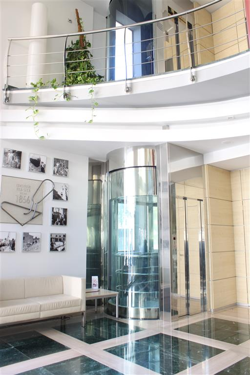Instalaci n de ascensores en pisos comunidades y chalets tarragona reus ferre constructora - Constructora reus ...